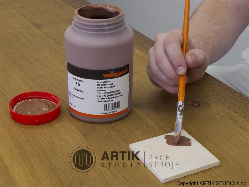 Práce s tekutými engobami Witgert