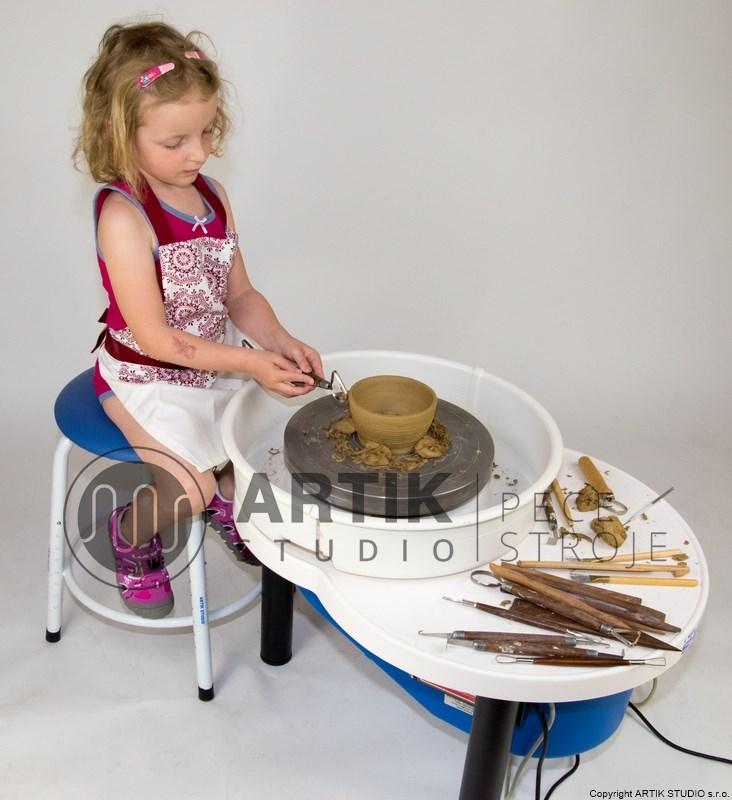 Hrnčířský kruh pro děti