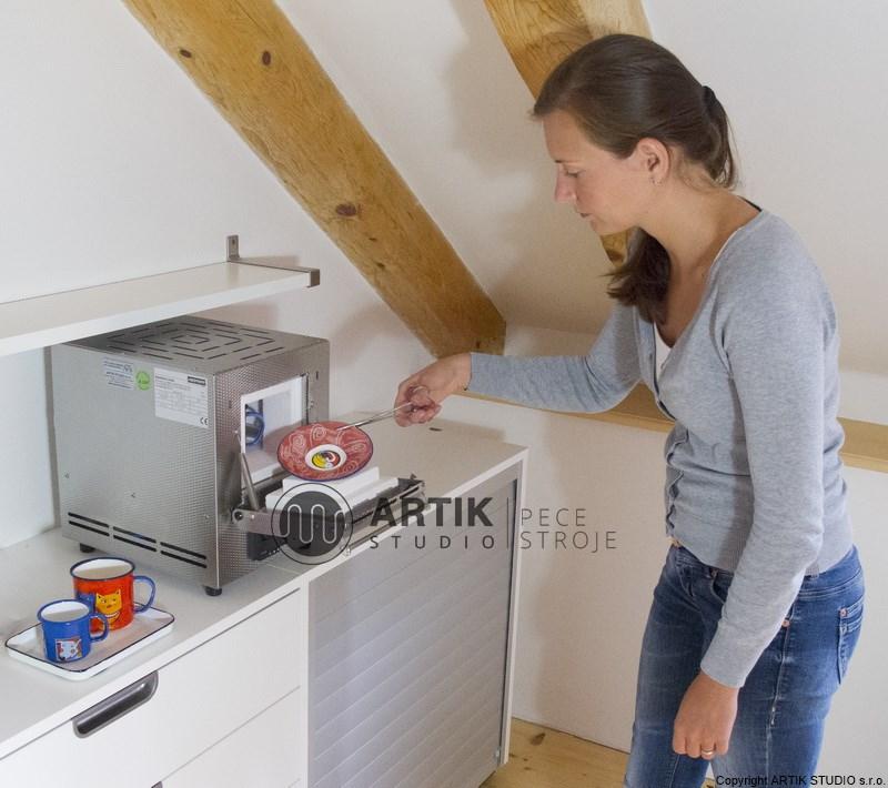 Ukázka práce se smaltovací pecí Nabertherm