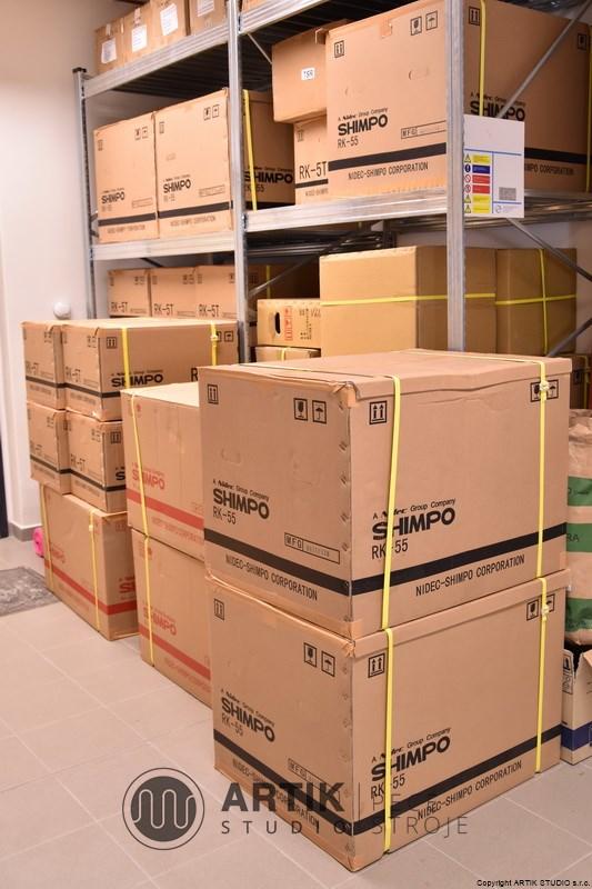 Sklad prodejny potřeb pro keramiky Artik studio.